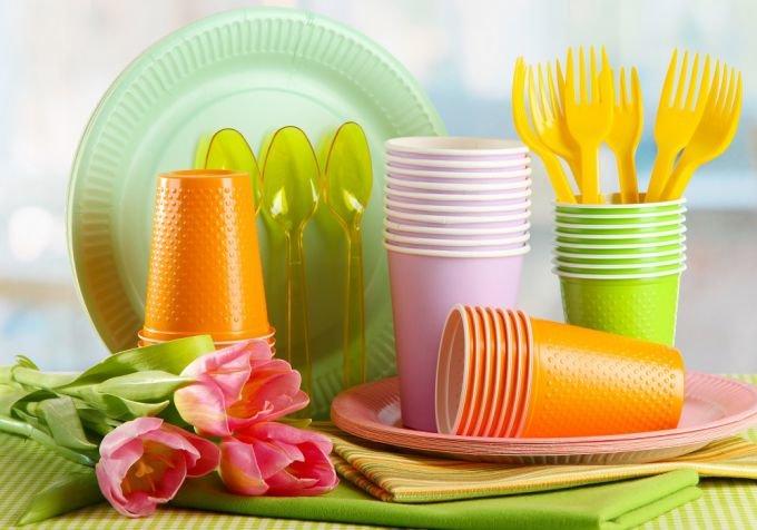 Одноразовая посуда: пластик, бумага, ВПС. О преимуществах посуды из разных материалов